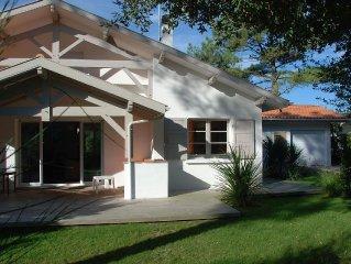 Belle villa 200m de la plage de la Graviere, tout confort, jardin 800m clos