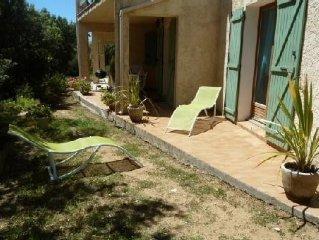 appartement rez de chausse de villa olmeto plage entoure d' oliviers