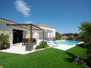 Agreable Villa contemporaine 3chambres equipees de salles d'eau , piscine privee