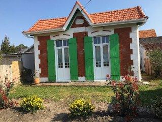 Maison traditionnelle, de style 'villa soulacaise', a proximite de la plage