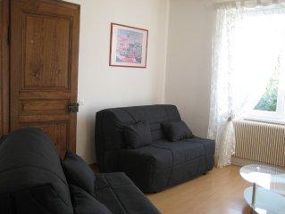 Appartement dans maison, a partir de 2 personnes jusqu'a 6, 2 chambres, jardin.