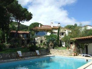Gîtes proche Collioure avec vue mer et piscine chauffée