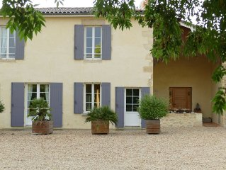 family property in Gironde, panoramic view of the city of Bazas