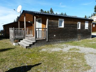 Chalet Bois individuel 4/6 pers, tout equipe, belle terrasse