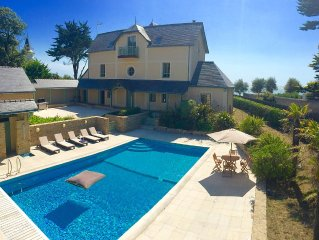 Villa de 600m2 avec acces direct a la plage