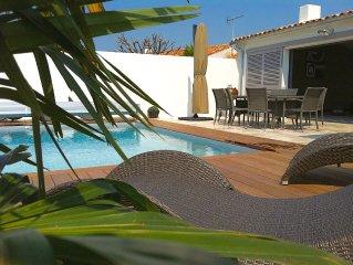 Villa D'Architecte 9/10 personnes piscine chauffée d'avril à septembre.