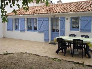 Maison typique a Noirmoutier avec petit jardin, plage a 50 metres, 5 personnes