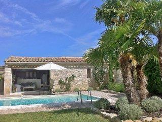 Bastidon de charme - Gordes - Avec piscine privee, tres calme, vue Luberon.