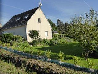 Maison entierement renovee, tres claire, au calme, avec jardin, vue mer