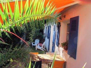 Biarritz Centre, ravissante petite maison de plain pied & son jardin ensoleillé.