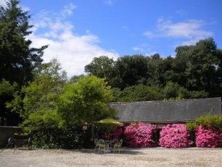 Mansion of character in a very beautiful breton estate with a 2,5-hectare land