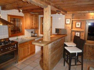 Chalet  de charme avec grand Jaccuzi  exterieur et sauna