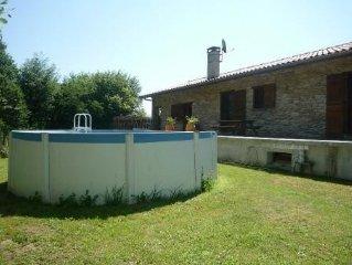 Maison au calme à Sare-Pays Basque-Piscine hors-sol-Bergerie neuve de 170 m2