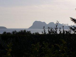 Lumineux Rez de jardin calme,vue mer ,a 200m a pied de la mer dans  parc boise