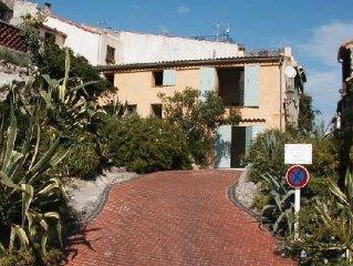 Appartement dans le vieil Antibes a 100m de la mer