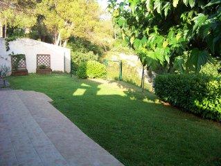 Villa provencale, pres de Sainte-Victoire, jardin, terrasse pour 5 a 7 personnes