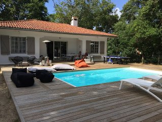 Contemporary renovated villa heated new swimming pool between Lake and Ocean Ho
