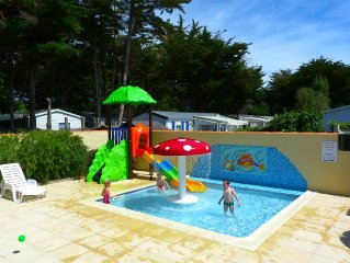 4 PERS TERRASSE COUVERTE PISCINES CHAUFFÉES SNACK BAR CAMPING FAMILIAL