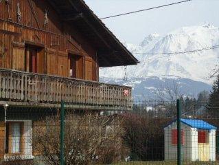 Vue sans vis à vis face à la chaîne du  Mt BLANC RDC avec terrasse privée