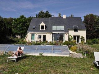 T2 dans villa 2005 avec piscine couverte et chauffee- calme -vue superbe