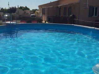 Chaleureuse villa de Provence, ensoleillee, avec piscine privee, 7 personnes.