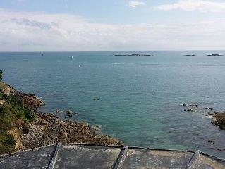 appt  ,vue sur mer a180o, dominant la plage ,a proximite des commerces