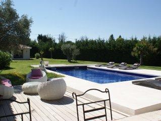 Annexe de mas provençal avec piscine chauffée