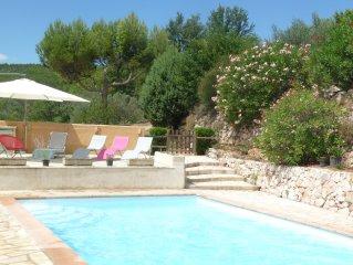 Au calme, villa avec piscine au coeur de la Provence à Salernes