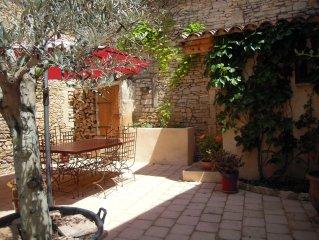 Maison de village proche Nimes, pour 6 personnes,  entierement renovee.