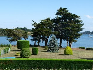 Grande maison vue mer sur le Golfe du Morbihan, calme, lumineuse, moderne