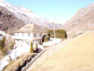 grande, confortable et chaleureuse maison de montagne,avec vue panoramique .