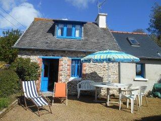 C'est une maison bleue.... de pêcheur,confortable, à 100m de la mer