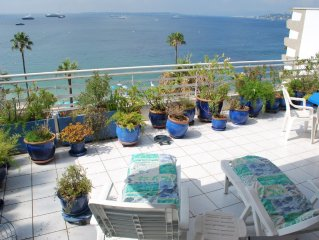 APARTMENT UNFORGETTABLE! WATERFRONT, TERRACE 50m2. Private parking