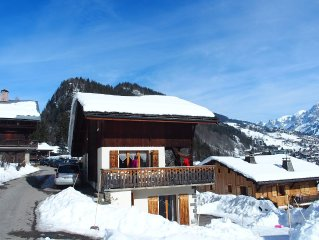 Chalet at the foot of the ski slopes