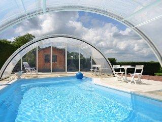 Coeur  BOURGOGNE   appartement tres calme sur jardin avec piscine chauffee -