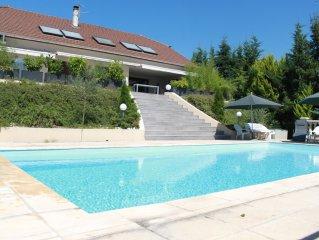 Villa Aix les Bains, dominant le lac du Bourget (Rhône Alpes,Savoie