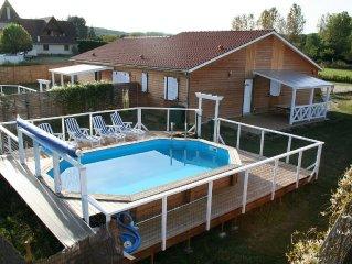4 Chalets, 4 piscines et 4 spa prives , lieu calme a 300 m la riviere