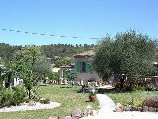 VILLA au calme, grand jardin arbore et fleuri, proche de Hyeres et ses plages