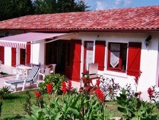 Maison dans village typique entre mer et montagne