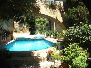 village historique a 3km du Pont du Gard