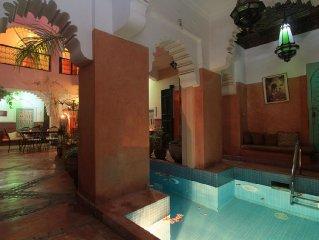 Riad Nakhil - Grand Riad familial avec piscine au coeur des souks