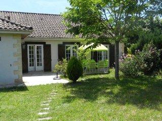 Jolie maison, plein pied, pres de la Vezere, proximite  des Eyzies et  du Bugue