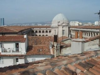 Location appartement Marseille  T2 avec terrasse  quartier le panier