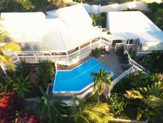 Villa de charme avec piscine à débordement, à deux pas de la plage