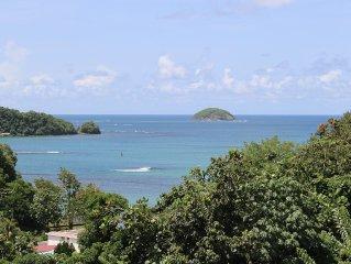 Location de charme a Trinite avec vue mer et piscine.