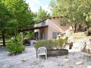 villa + piscine en pleine campagne, isolee sur 1 hectare de terrain.