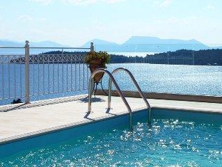 Maison de luxe toute neuve avec piscine & une vue splendid