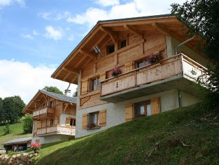 Individual Chalet 8/12 persons with POOL Village Crest Voland