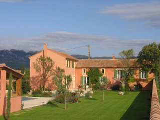 Charmant mas avec piscine sur 3800m2, Mont Ventoux et Dentelles de Montmirail