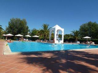 Charmante maison climatisee dans residence avec piscine, proche plage et golf